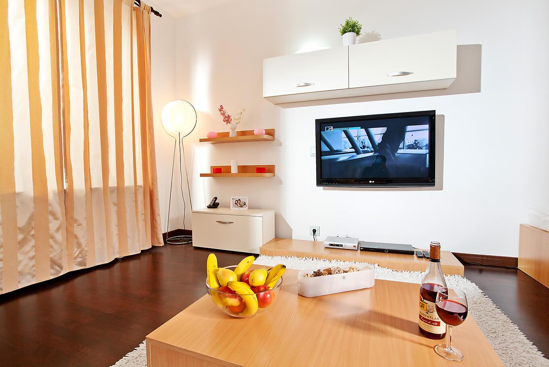 Studio apartments for rent bucharest short term for Bucharest apartments